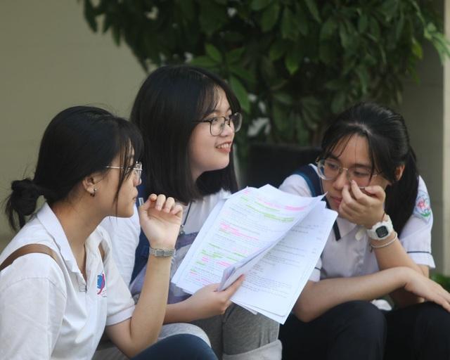 Học sinh lớp 9 vào lớp 10 tại Hà Nội tự tin với kết quả thi môn Sử - 2