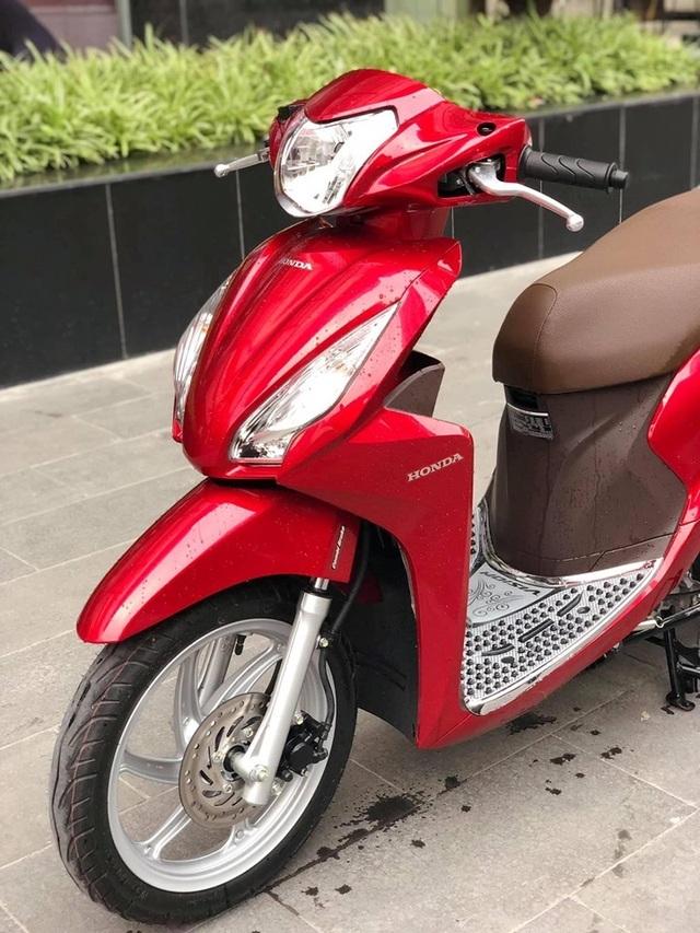 Honda Vision biển ngũ quý 5 giá gần 200 triệu gây choáng - 3