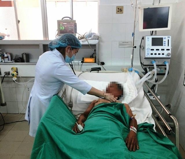 Cần Thơ: Cứu sống bệnh nhân nguy kịch do ăn cá nóc mít - 1