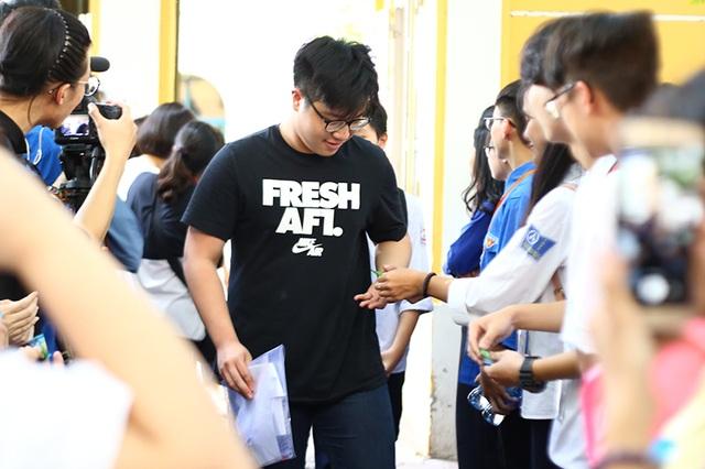 """Học sinh THPT Phan Đình Phùng gửi tặng các sĩ tử lời chúc """"ngọt như kẹo"""" - 2"""