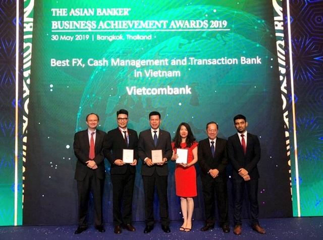 Vietcombank nhận ba giải thưởng quan trọng từ The Asian Banker - 1