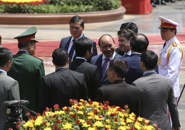 Thủ tướng Nguyễn Xuân Phúc chủ trì lễ đón chính thức người đồng cấp Italia - 5