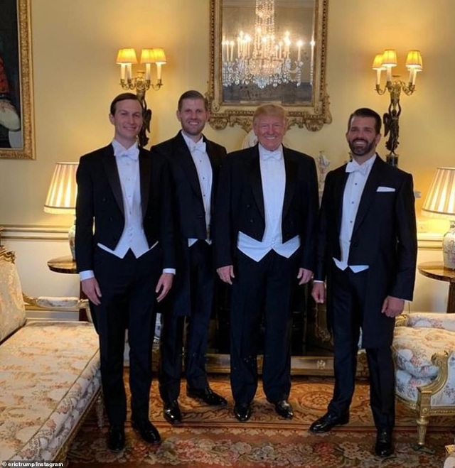 """Gia đình Tổng thống Trump """"chiếm sóng"""" mạng xã hội trong chuyến thăm Anh - 2"""