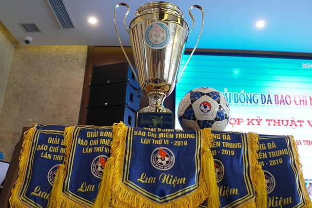 Hà Tĩnh đăng cai tổ chức Giải bóng đá Báo chí miền Trung lần thứ VI - 2019 - 2