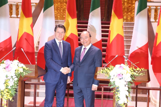 Thủ tướng Nguyễn Xuân Phúc chủ trì lễ đón chính thức người đồng cấp Italia - 9