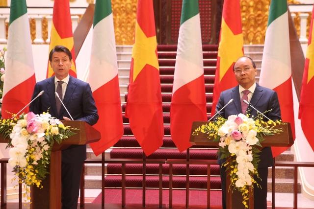 Thủ tướng Nguyễn Xuân Phúc chủ trì lễ đón chính thức người đồng cấp Italia - 11