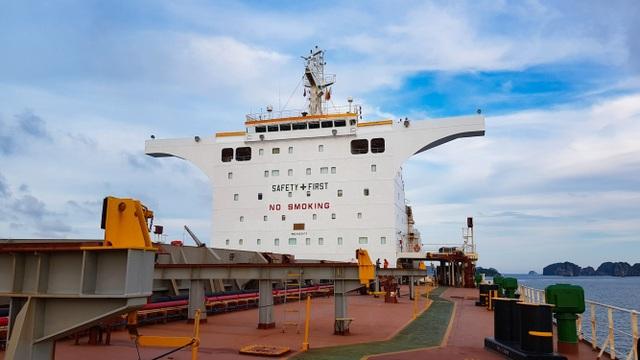 Cảng Hòn Nét đón tàu hàng rời có tải trọng lớn nhất từ trước tới nay vào làm hàng - 3