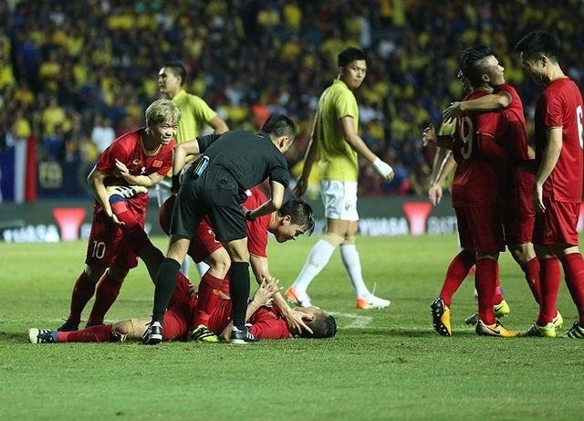 Thái Lan 0-1 Việt Nam: Bàn thắng phút bù giờ của Anh Đức - 4