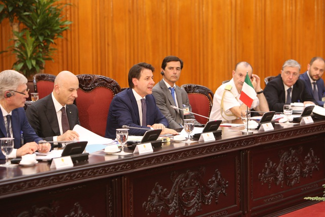 Thủ tướng: Việt Nam coi trọng quan hệ hợp tác nhiều mặt với Italia - 3