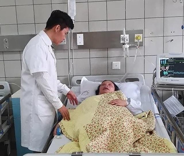 Kỹ thuật mới nhất của Giáo sư Mỹ mổ nội soi lồng ngực lần đầu được áp dụng tại Việt Nam - 2