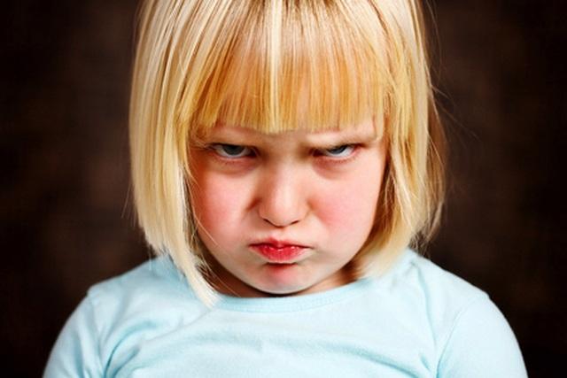 Làm gì với một đứa trẻ hay ăn vạ, hờn dỗi? - 1