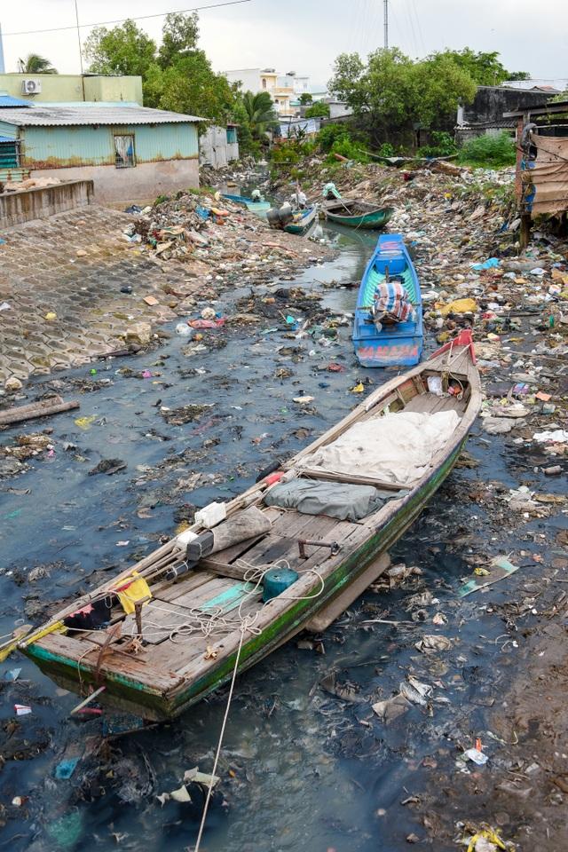 Triển lãm ảnh đầu tiên về rác thải nhựa Hãy cứu biển ở Việt Nam - 3