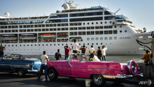 Mỹ siết chặt cấm vận Cuba vì ủng hộ Venezuela - 1