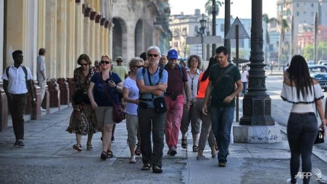 Mỹ siết chặt cấm vận Cuba vì ủng hộ Venezuela - 2
