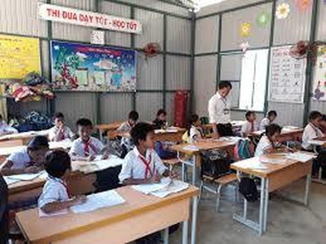 Quảng Ngãi: Bất cập khi dừng tuyển giáo viên tại các huyện sắp sáp nhập - 1