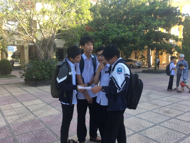 Thi lại Văn vào lớp 10 tại Quảng Bình: Nhiều thí sinh tiếc nuối vì làm bài không tốt bằng lần trước - 4
