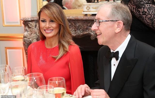 Bà Trump mặc váy hơn 7.000 USD dự tiệc ở Anh - 10