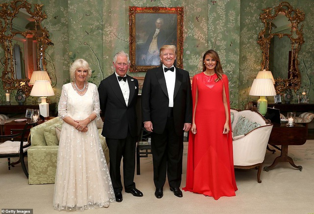 Bà Trump mặc váy hơn 7.000 USD dự tiệc ở Anh - 6