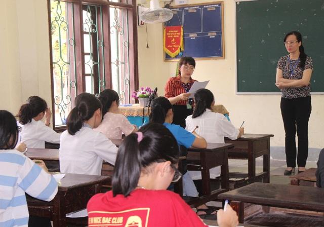 Tuyển sinh lớp 10 tại Nghệ An: Nhiều thí sinh phải chỉnh sửa thông tin trong buổi làm thủ tục thi - 1