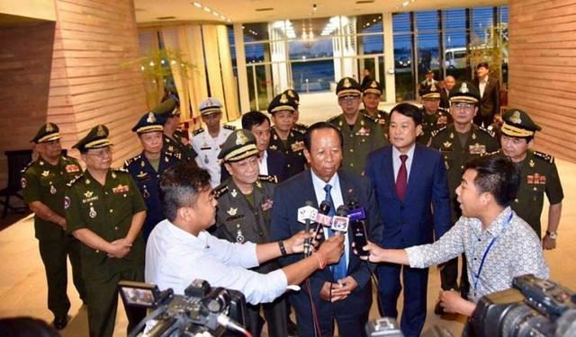 Bộ trưởng Campuchia đề nghị Thủ tướng Singapore cải chính phát ngôn về quân đội Việt Nam - 1