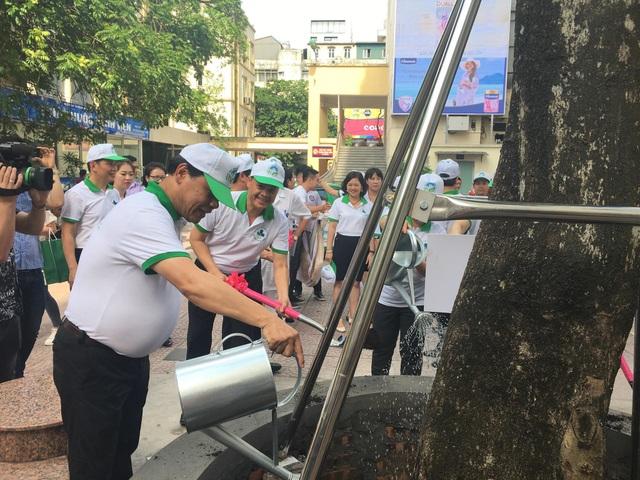 Nồng độ bụi đô thị ở thành phố Hà Nội, Hồ Chí Minh vượt ngưỡng - 1