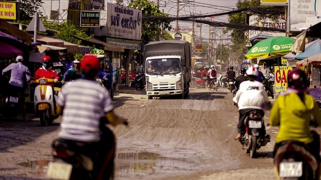 Dân công Hỏa tuyến - con đường đau khổ tại TP.HCM! - 1