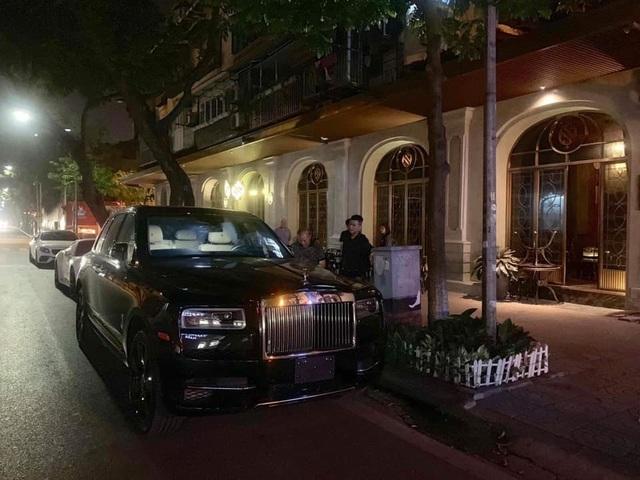 1 tháng 3 siêu xe Rolls-Royce Cullinan giá 45 tỷ về Hà Nội  - 1