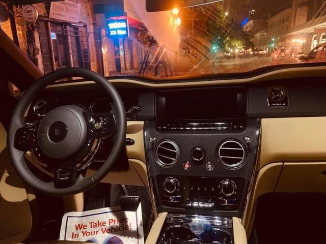 1 tháng 3 siêu xe Rolls-Royce Cullinan giá 45 tỷ về Hà Nội  - 2