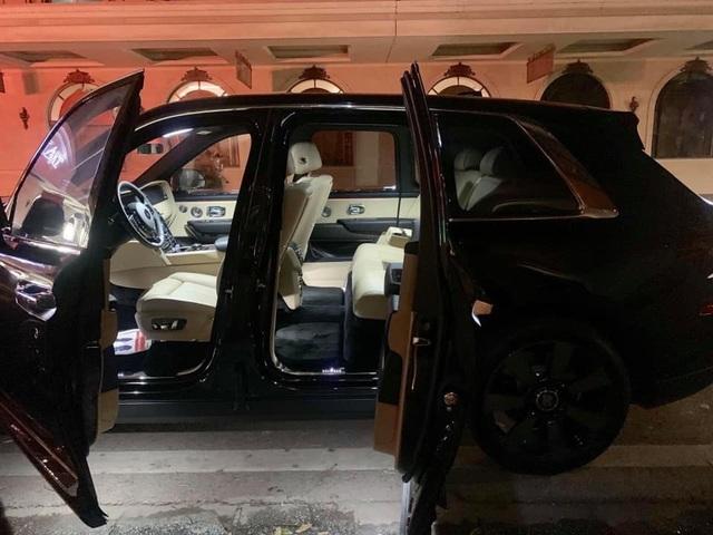 1 tháng 3 siêu xe Rolls-Royce Cullinan giá 45 tỷ về Hà Nội  - 3