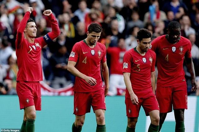 Bồ Đào Nha 3-1 Thụy Sỹ: Cú hattrick của C.Ronaldo - 12