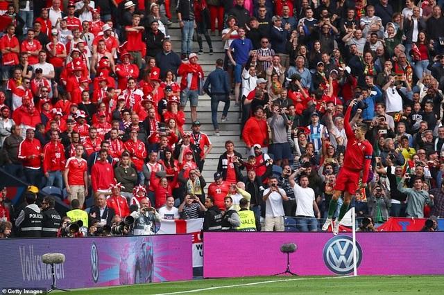 Bồ Đào Nha 3-1 Thụy Sỹ: Cú hattrick của C.Ronaldo - 10