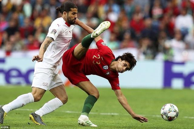 Bồ Đào Nha 3-1 Thụy Sỹ: Cú hattrick của C.Ronaldo - 13