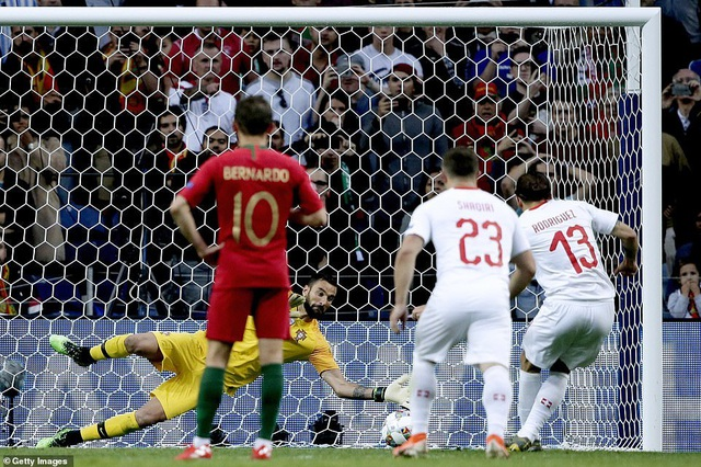 Bồ Đào Nha 3-1 Thụy Sỹ: Cú hattrick của C.Ronaldo - 7