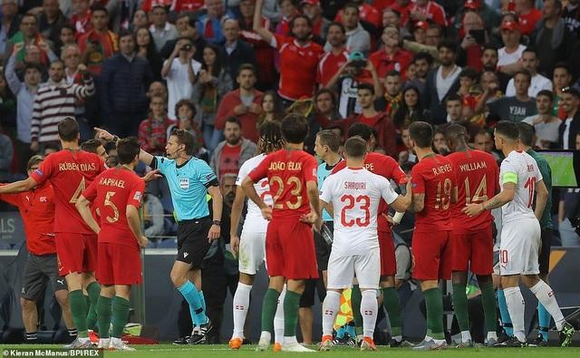 Bồ Đào Nha 3-1 Thụy Sỹ: Cú hattrick của C.Ronaldo - 9