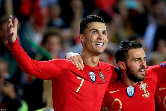 Bồ Đào Nha 3-1 Thụy Sỹ: Cú hattrick của C.Ronaldo - 4