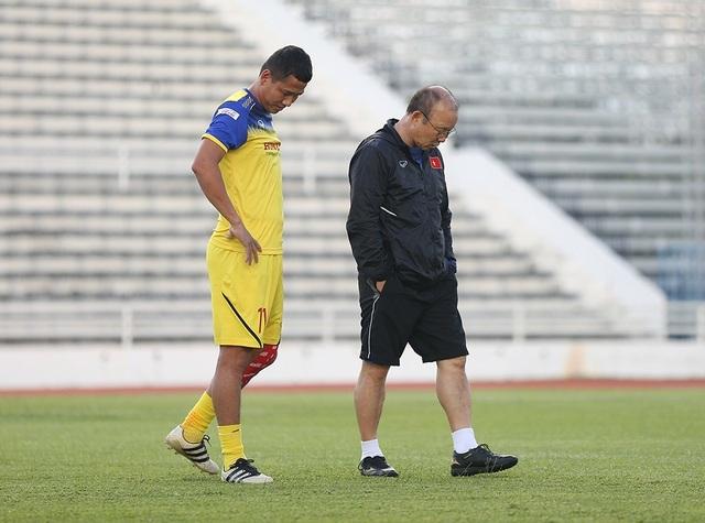 Thầy Park bí mật giao nhiệm vụ cho 5 cầu thủ trước trận gặp Curacao - 5