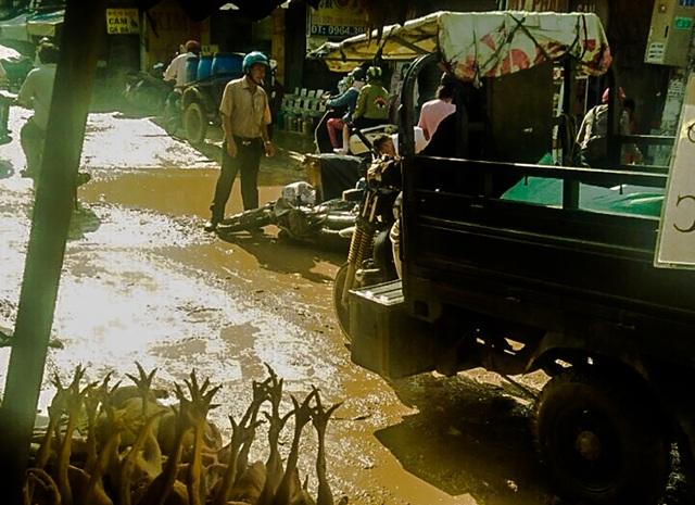 Dân công Hỏa tuyến - con đường đau khổ tại TP.HCM! - 7