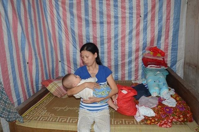 Xót thương bé 6 tháng tuổi khát sữa dưới bầu sữa mẹ ương dở thất thường - 15