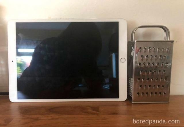 """Dân mạng chế ảnh châm biếm mức giá """"điên rồ"""" của chân đế màn hình Apple - 11"""
