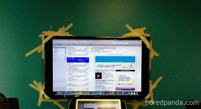 """Dân mạng chế ảnh châm biếm mức giá """"điên rồ"""" của chân đế màn hình Apple - 4"""