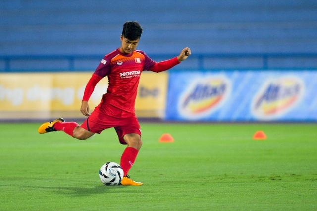U23 Việt Nam rèn miếng đánh trước cuộc đấu với U23 Myanmar - 5