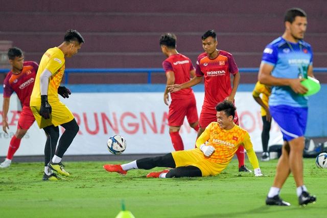 U23 Việt Nam rèn miếng đánh trước cuộc đấu với U23 Myanmar - 12