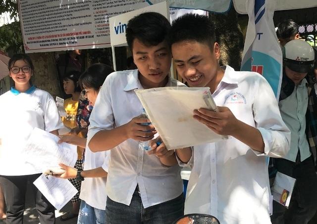 Tuyển sinh lớp 10 Thanh Hóa: Hơn 300 thí sinh vắng thi - 1