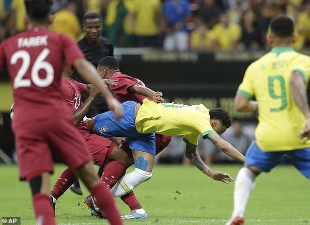 Neymar bật khóc sau khi lỡ hẹn với Copa America 2019 - 2