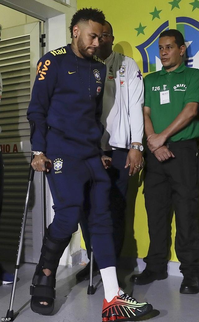 Neymar bật khóc sau khi lỡ hẹn với Copa America 2019 - 7
