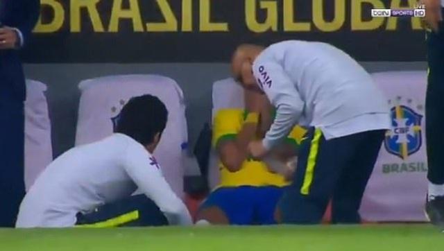 Neymar bật khóc sau khi lỡ hẹn với Copa America 2019 - 6