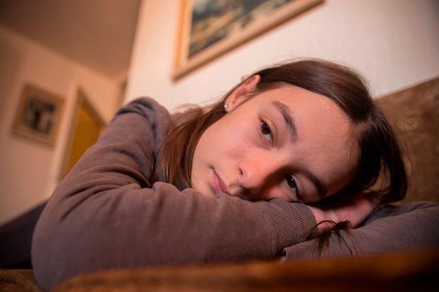 """Thanh thiếu niên thiếu ngủ có thể """"quan hệ tình dục không an toàn"""" - 1"""