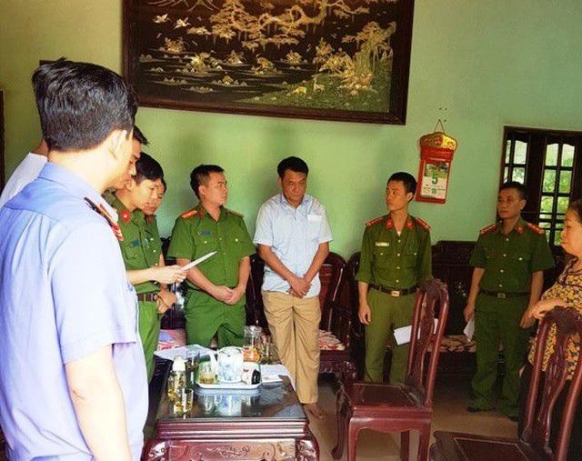 Nguyên Trưởng phòng Tài nguyên và môi trường huyện lĩnh 5 năm tù - 1