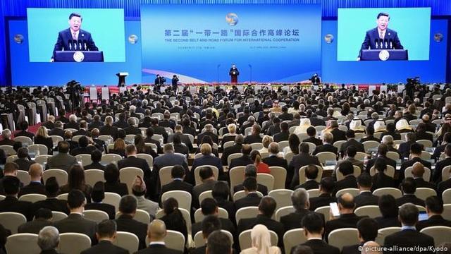 """Chưa kịp hưởng lợi, Trung Quốc có thể """"mắc bẫy"""" Vành đai và Con đường - 1"""