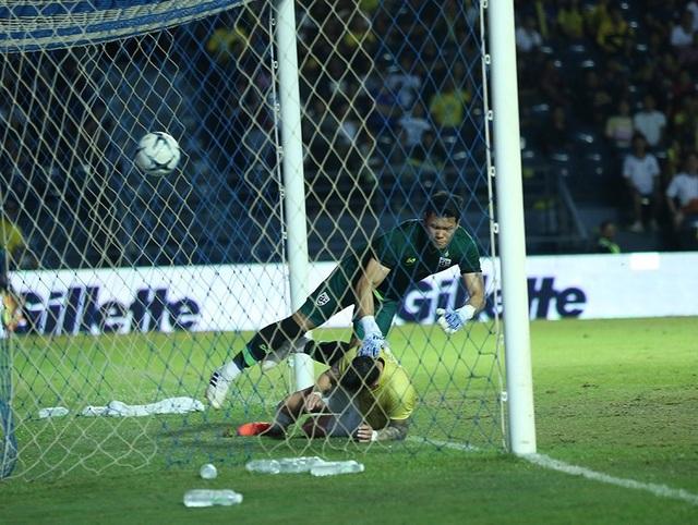 Càng đá càng sa sút, bóng đá Thái Lan có đi sai đường? - 1